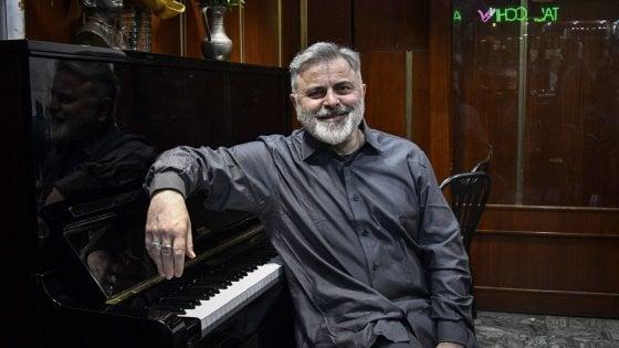 """Pino De Stasio: """"Nel mio bar conservo la Napoli operosa e aperta a tutti"""""""