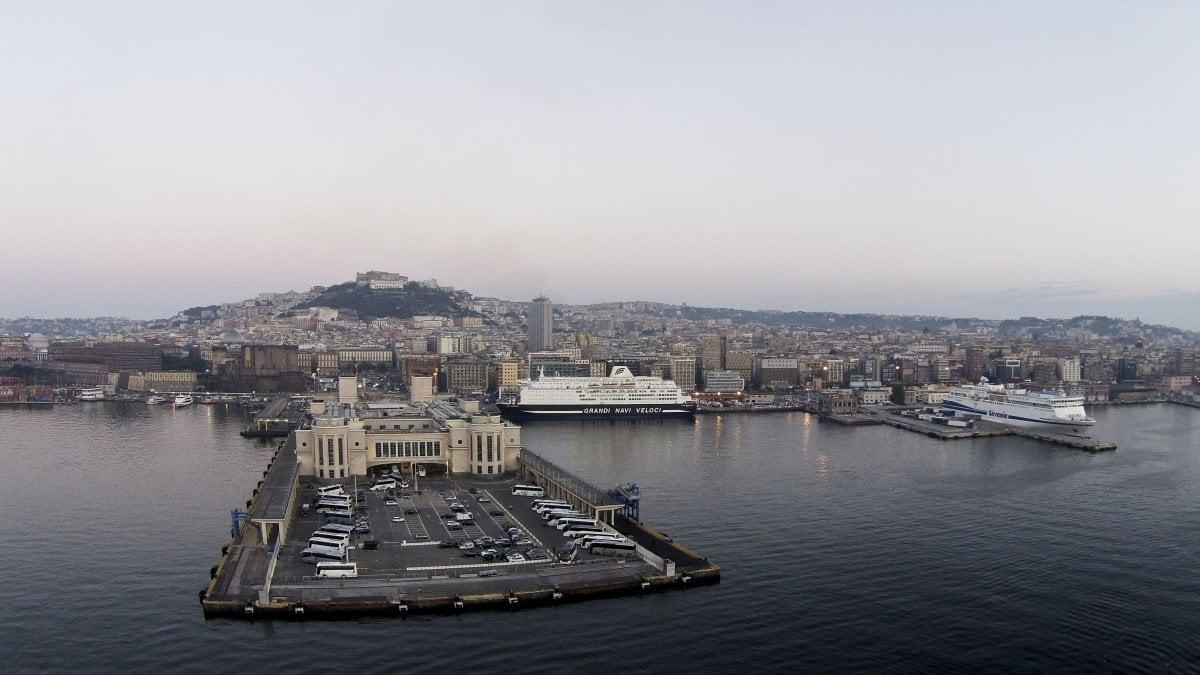 Napoli, corruzione e frode nelle gare di appalto per il porto: arresti