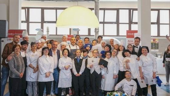 """Napoli, ragazzi disabili ai fornelli: ecco i vincitori del contest """"Semplicemente chef"""""""