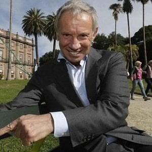 Napoli, una petizione per la cittadinanza onoraria a Bellenger: raccolte mille firme