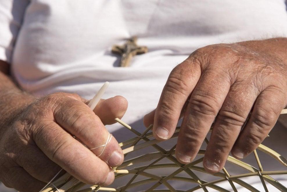 Pescatori, battellieri e bambini: in mostra i volti di Sant'Angelo d'Ischia