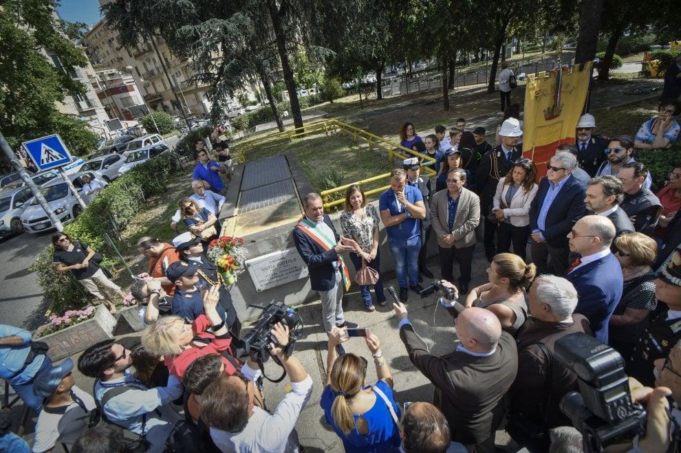 Napoli ricorda Silvia Ruotolo, vittima innocente di camorra