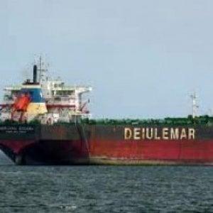 Napoli, una condotta fraudolenta dietro la compravendita della Deiulemar shipping
