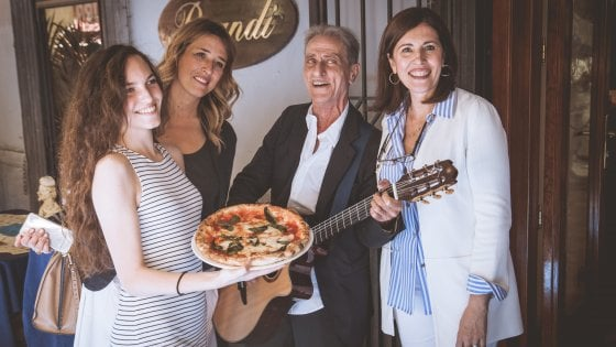 La pizza della solidarietà nel 130esimo compleanno della Margherita
