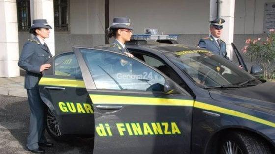 Usura: a vittime chiedevano anche soldi della carta di reddito: quattro misure
