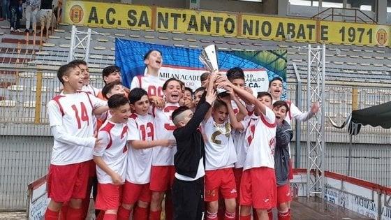 """Noi abbiamo vinto, ma voi avete giocato meglio"""". All'Abatese Cup trionfa il fair play dei giovani calciatori"""
