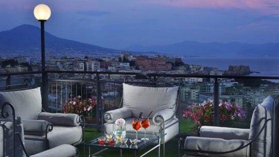 """""""Lounge sotto le stelle"""", gli appuntamenti estivi dell'hotel Parker's"""