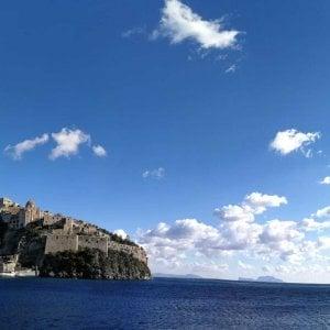 """TripAdvisor, """"boom"""" di Ischia nelle prenotazioni degli italiani"""