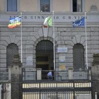 Napoli, si uccide il docente accusato di aver avuto una relazione con due