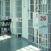 Rivolta nel carcere di Poggioreale, detenuti devastano le celle