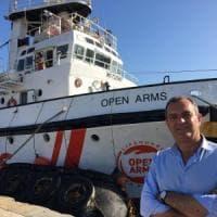 """Migranti, """"Open Arms"""" nel porto di Napoli, de Magistris: """"La città sostiene le Ong che..."""