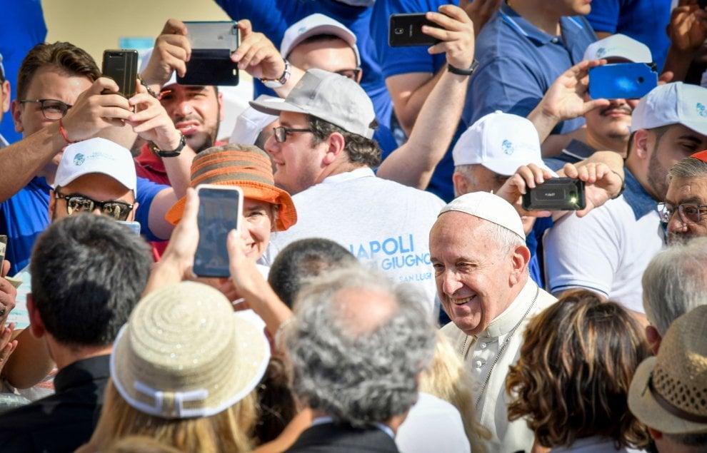 Papa Francesco a Napoli, la giornata di Bergoglio in città