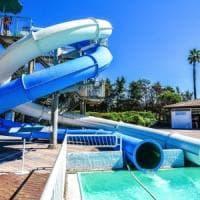 Bolle e lesioni ai piedi di bimbi dopo bagno: Asl chiude una piscina del Pareo Park