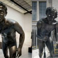 """Napoli, gaffe Universiade: la copia dei """"Corridori"""" ricoda """"Gollum"""" de """"Il Signore degli anelli"""""""