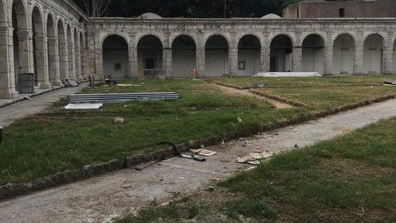 Capri, incuria alla Certosa dopo l'evento Bulgari:  la denuncia dell'Unione Consumatori