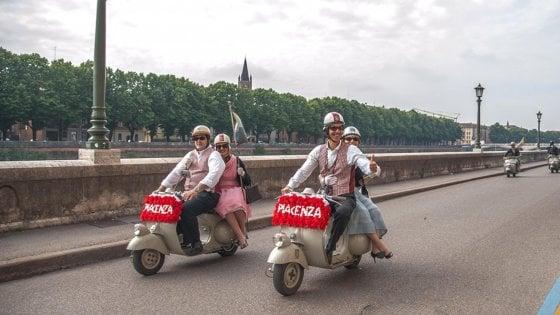 Da Piacenza a Napoli senza mai spegnere la Vespa