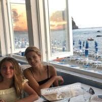 Ischia, relax da Amica Geniale: le due Lenù a pranzo insieme