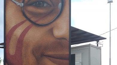 Il volto di Giancarlo Siani sulla ex Resit  un nuovo murale di Jorit