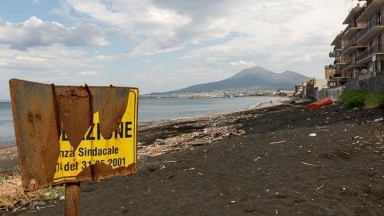 Mala depurazione e scarichi, in viaggio con Goletta Verde: ecco la Campania più inquinata