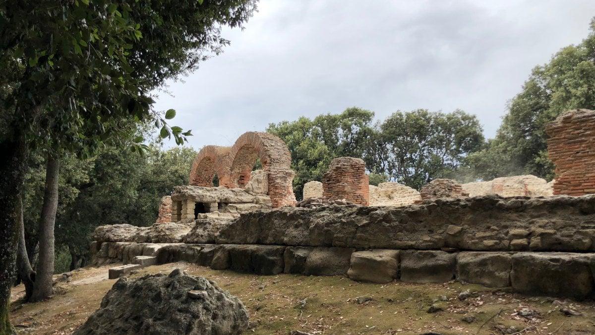 Cuma, scoperta la tomba del vescovo Aurelio