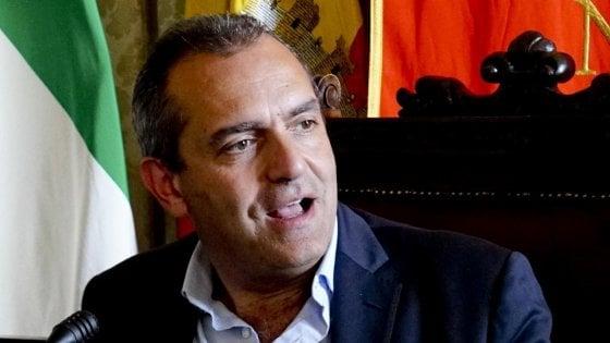 """Governo, il sindaco di Napoli de Magistris: """"Se si vota, io mi candido"""""""