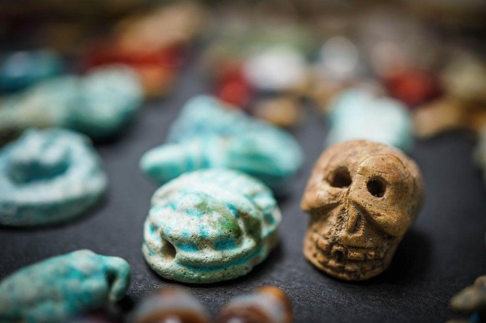 Pompei, scoperti decine di amuleti contro la malasorte