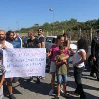 Salvini a Castel Volturno, per lui contestazioni