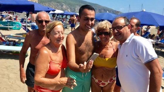"""Luigi Di Maio in vacanza a Palinuro: """"Che bello tornare qui per un tuffo"""""""