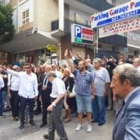 Saluto fascista ai funerali di Rastrelli, la condanna del vicesindaco di