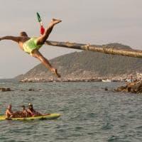 È festa a Castellabate per il Palio della Struzza: vince Marco Amato