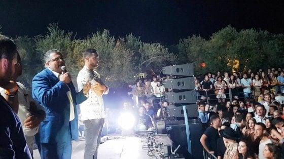 Agropoli, sindaco in console in discoteca per parlare di sicurezza
