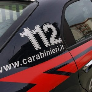 Litiga con i genitori e colpisce un carabiniere: arrestato 22enne nell'Avellinese