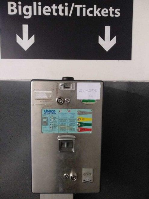 Anm, fotografia di una resa: macchinette per i biglietti fuori uso