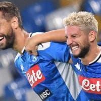 Napoli nel segno di Mertens: la doppietta del belga piega la Sampdoria