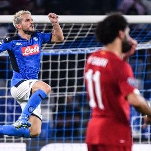 Napoli, notte di festa in Champions: Mertens e Llorente piegano il Liverpool