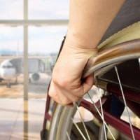 Si rompe la sedia a rotelle in aereo, il giudice di pace condanna l'EasyJet a risarcire il...