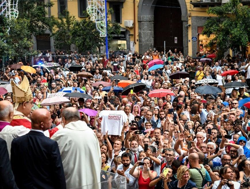 """Whirlpool Napoli, il cardinale Sepe ai lavoratori: """"Non permettere di togliere il lavoro"""""""