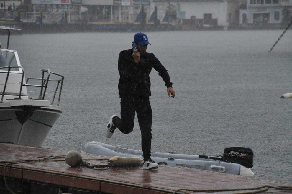 Ischia, che sorpresa: per gli esami della patente nautica spunta Stefano De Martino