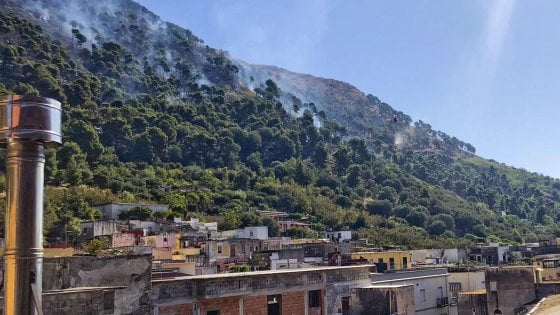 Incendio a Sarno: individuati gli autori. Tra loro cinque mi