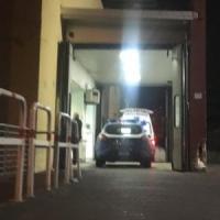 Impenna sul motorino e investe due ragazze: tragedia sfiorata nel centro di Castellammare