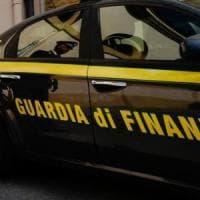Napoli, la Finanza scopre mille lavoratri 'in nero' da gennaio