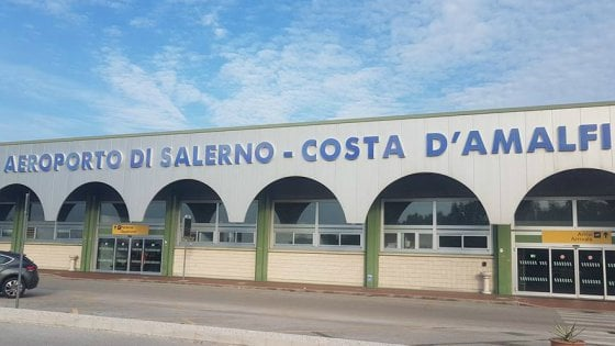 """Aeroporto Salerno, De Luca: """"Due anni per essere a regime"""""""