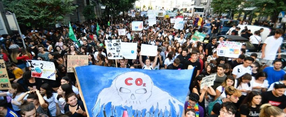 """Fridays for the future Napoli: """"Dal local al global: è ora il momento di agire"""""""
