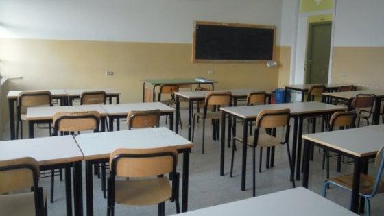 Salerno, malore in classe: muore studentessa