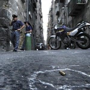 Napoli, raid armato a Barra: trovati 14 bossoli