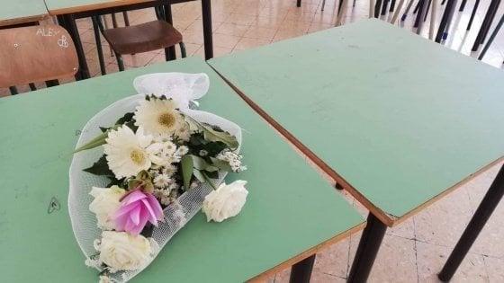 Studentessa morta a scuola a Salerno, domani i funerali
