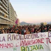 Napoli, corteo per esprimere solidarietà al popolo curdo