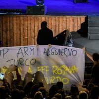 Napoli, Di Maio sul palco dell'Arena Flegrea, blitz di Fridays for future