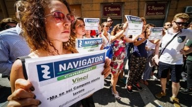 Campania, De Luca firma l'accordo  sui 471 navigator