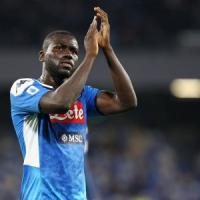 Napoli, Koulibaly è tra i 30 calciatori in lizza per il Pallone d'oro